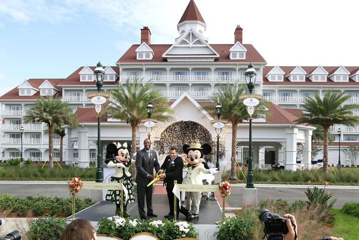 The Villas at Disney's Grand Floridian Resort opening day