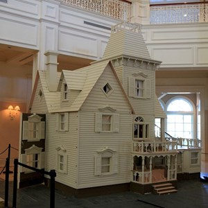2 of 4: Disney's Grand Floridian Resort and Spa - Grand Floridian Gingerbread House construction