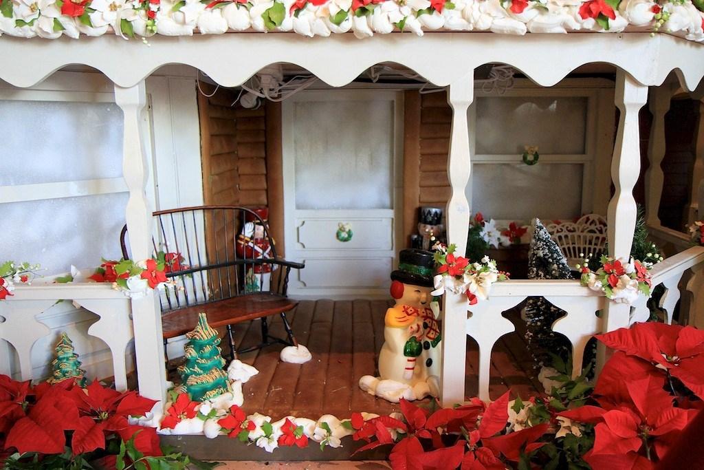 2010 Grand Floridian Resort Gingerbread House