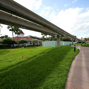 6 of 8: Disney's Grand Floridian Resort and Spa - More Walls up at the Grand Floridian - Villas site preparation