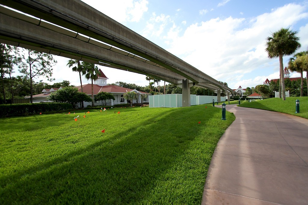 More Walls up at the Grand Floridian - Villas site preparation