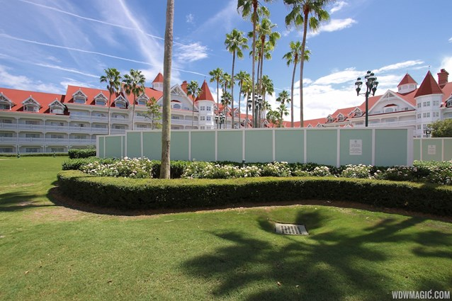 Disney's Grand Floridian Resort and Spa - Grand Floridian courtyard pool refurbishment walls