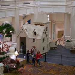 Grand Floridian Gingerbread House 2012 construction