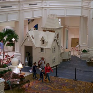 1 of 4: Disney's Grand Floridian Resort and Spa - Grand Floridian Gingerbread House 2012 construction