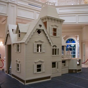 3 of 4: Disney's Grand Floridian Resort and Spa - Grand Floridian Gingerbread House 2012 construction