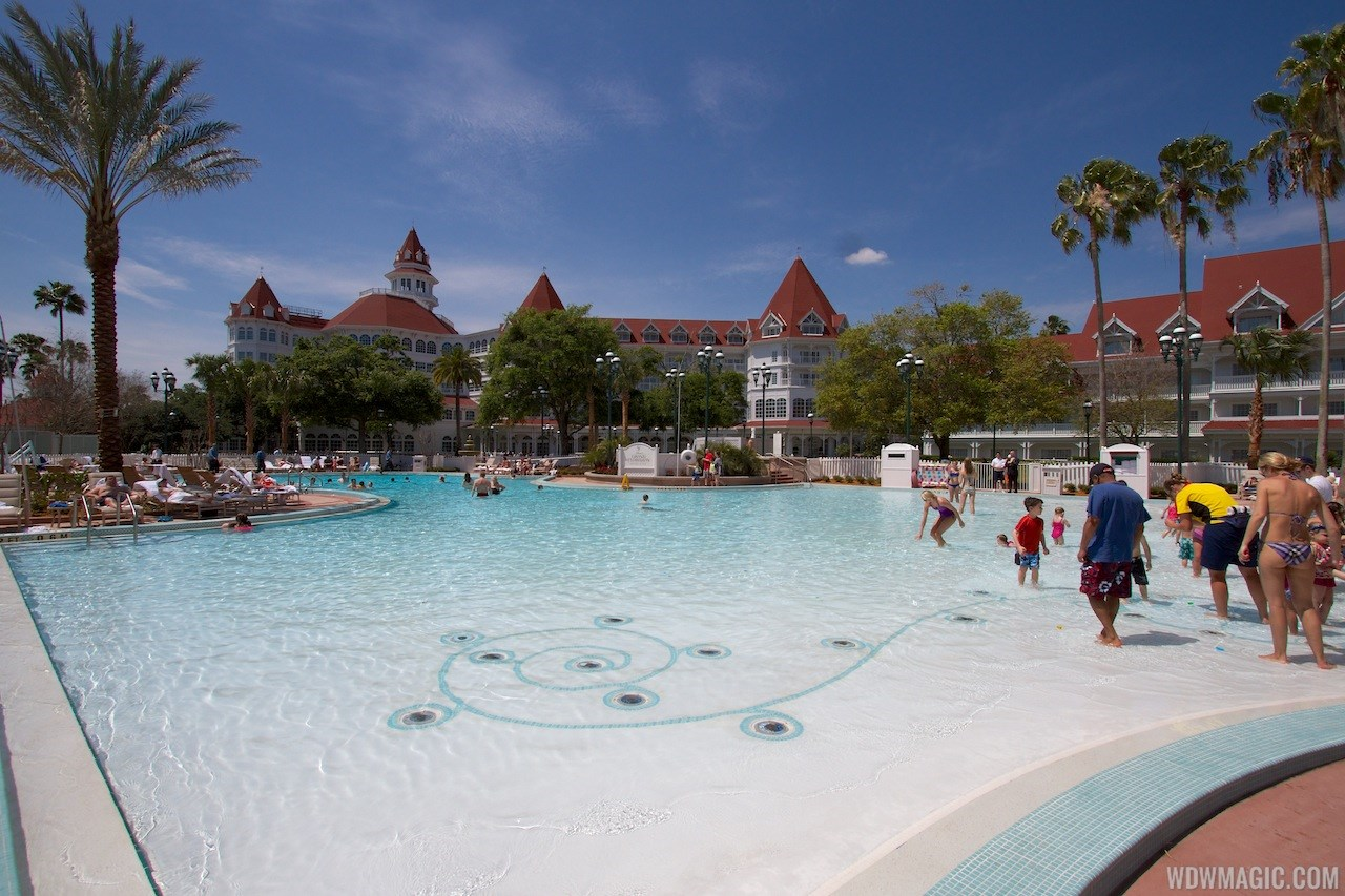 Grand Floridian courtyard pool reopens from refurbishment