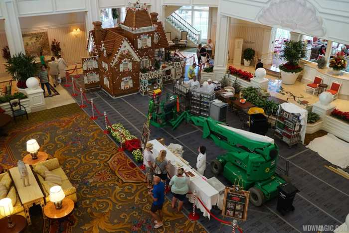 Building the 2014 Grand Floridian Gingerbread House
