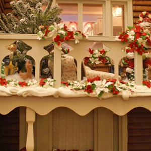 12 of 15: Disney's Grand Floridian Resort and Spa - Grand Floridian holiday decorations 2008