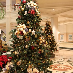 25 of 32: Disney's Grand Floridian Resort and Spa - Grand Floridian holiday decorations 2009