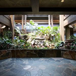 3 of 8: Disney's Polynesian Resort - Polynesian Resort lobby construction