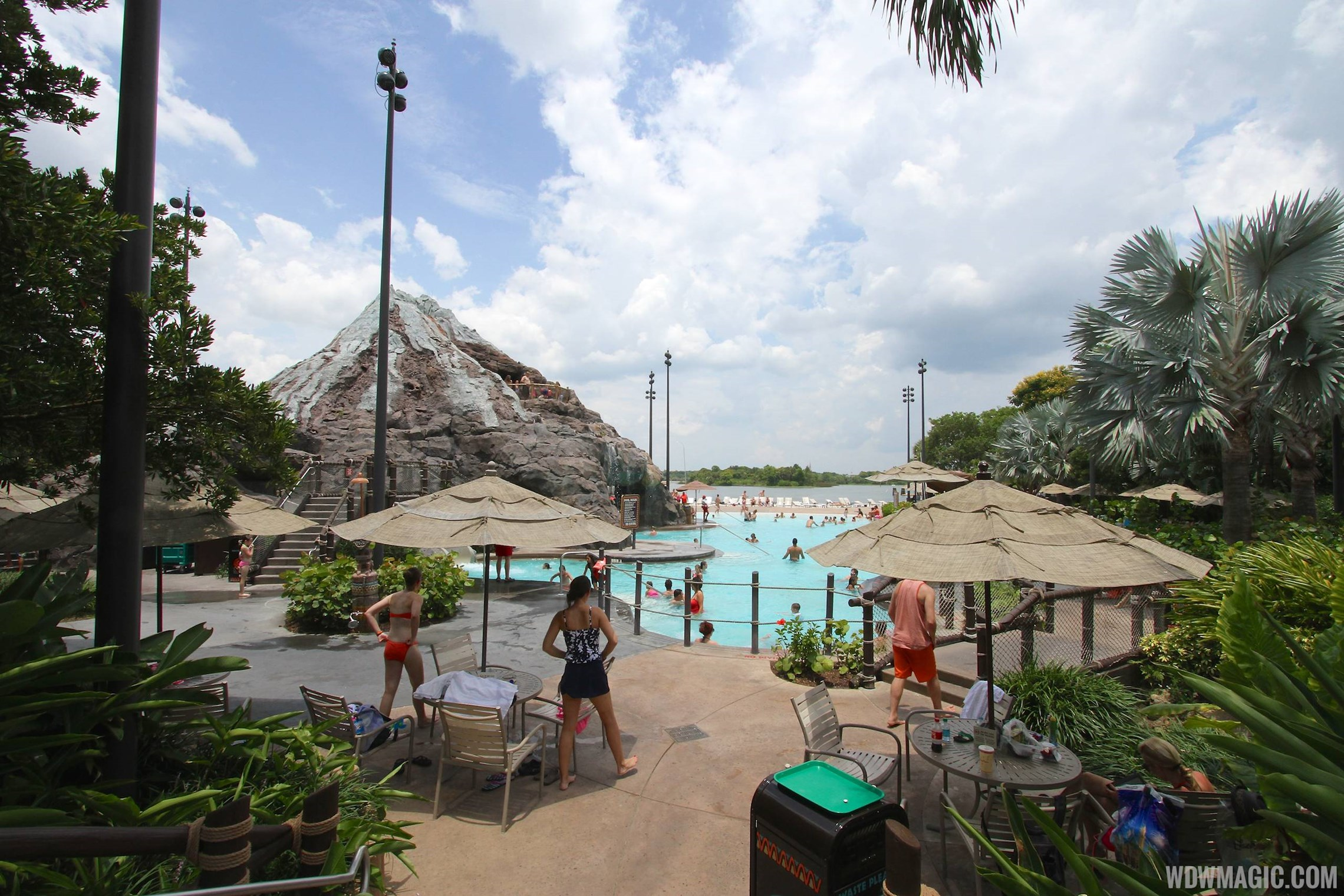 Pool area at Disney's Polynesian Resort before 2014 remodel