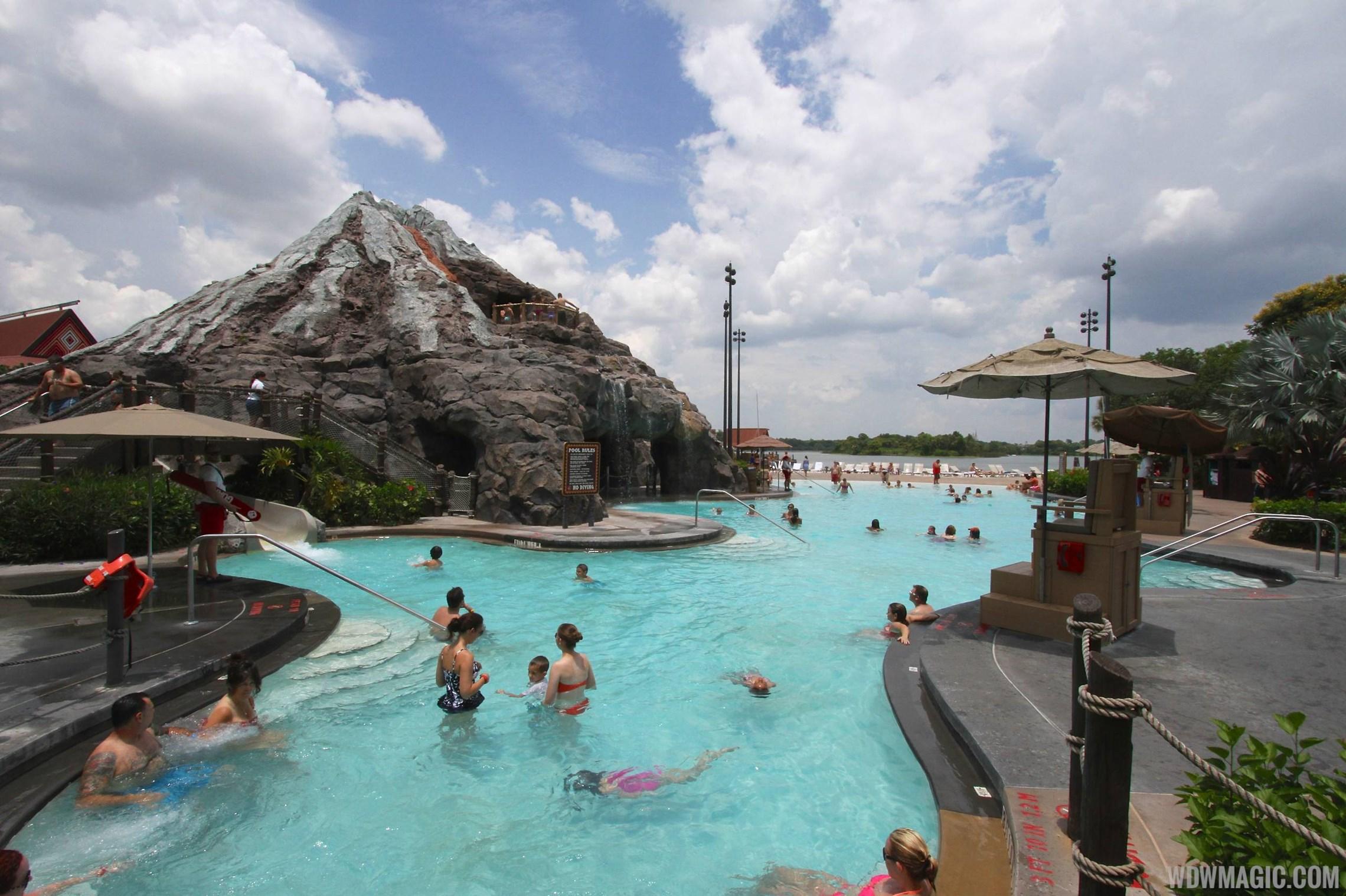 Pool area at Disney's Polynesian Resort before 2014 remodel