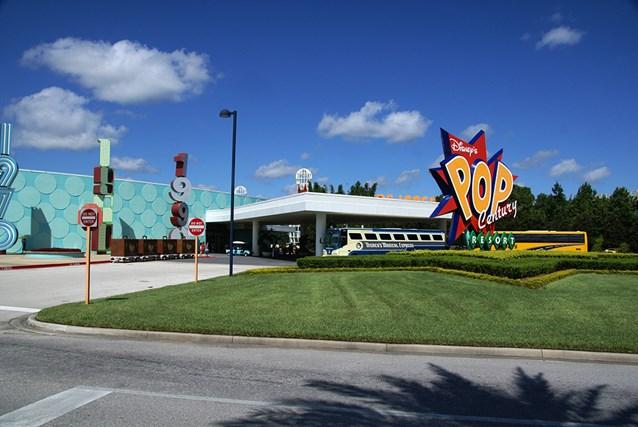Disney's Pop Century Resort - Pop Century arrival area