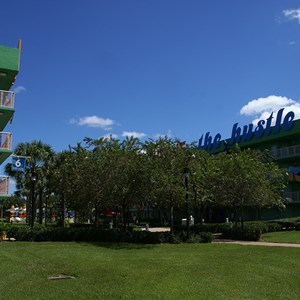 13 of 16: Disney's Pop Century Resort - 70s buildings and grounds