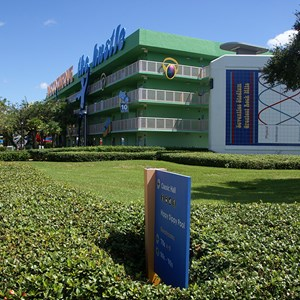 14 of 16: Disney's Pop Century Resort - 70s buildings and grounds