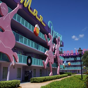 9 of 16: Disney's Pop Century Resort - 50s buildings and grounds