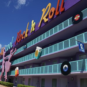 12 of 16: Disney's Pop Century Resort - 50s buildings and grounds