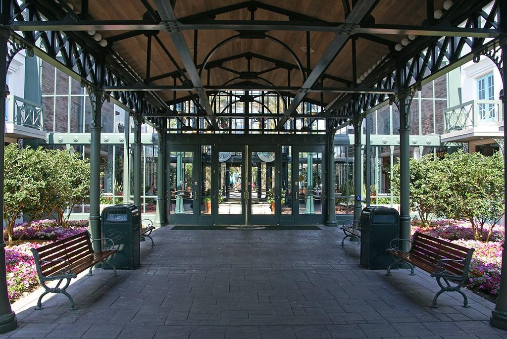 Disney's Port Orleans French Quarter lobby area