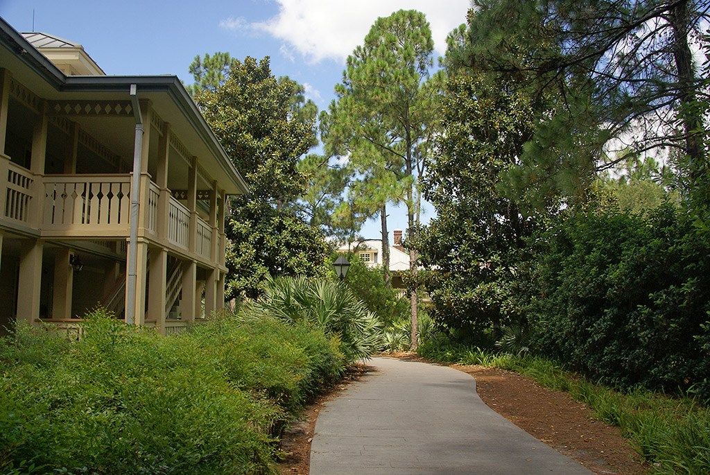 Alligator Bayou grounds and buildings