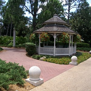 9 of 28: Disney's Port Orleans Resort Riverside - Magnolia Bend grounds and buildings