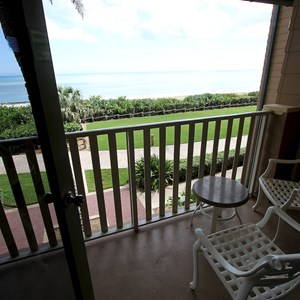 17 of 18: Disney's Vero Beach Resort - Ocean View Inn Room