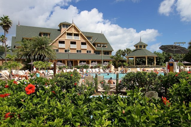 Disney's Vero Beach Resort - The pool and the Inn