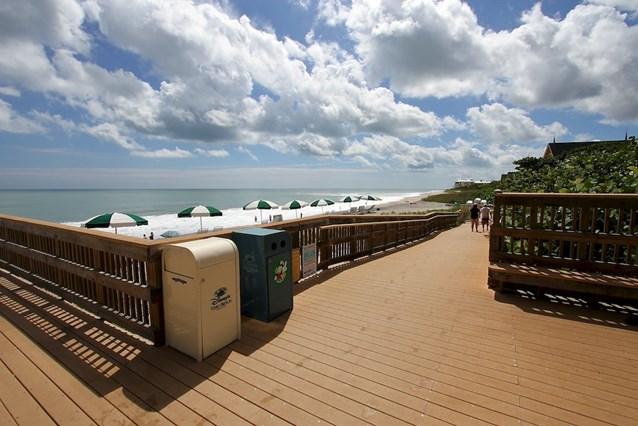 Disney's Vero Beach Resort - Ramp down to the beach