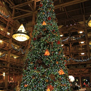 3 of 14: Disney's Wilderness Lodge Resort - Wilderness Lodge Resort holiday decorations 2009