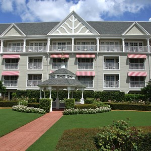 4 of 7: Disney's Yacht Club Resort - Yacht Club Resort buildings and grounds