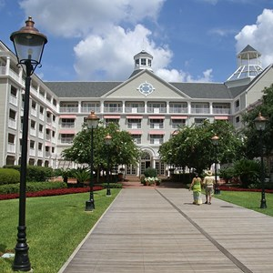 6 of 7: Disney's Yacht Club Resort - Yacht Club Resort buildings and grounds