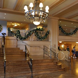 8 of 24: Disney's Yacht Club Resort - Yacht Club Resort holiday decorations 2009