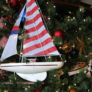 10 of 24: Disney's Yacht Club Resort - Yacht Club Resort holiday decorations 2009