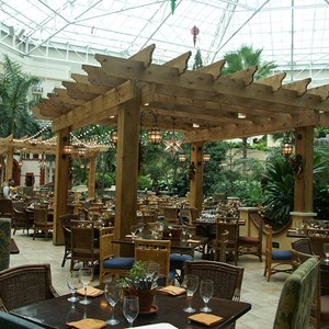3 of 12: Gaylord Palms Resort - The feeling of being outdoors at Villa de Flora - yet still in the air conditioned comfort of the St. Augustine Atrium