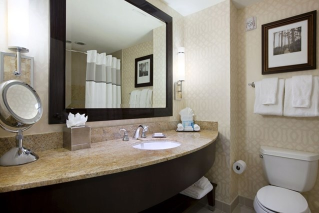 Hilton Orlando Bonnet Creek - Guest room bathroom