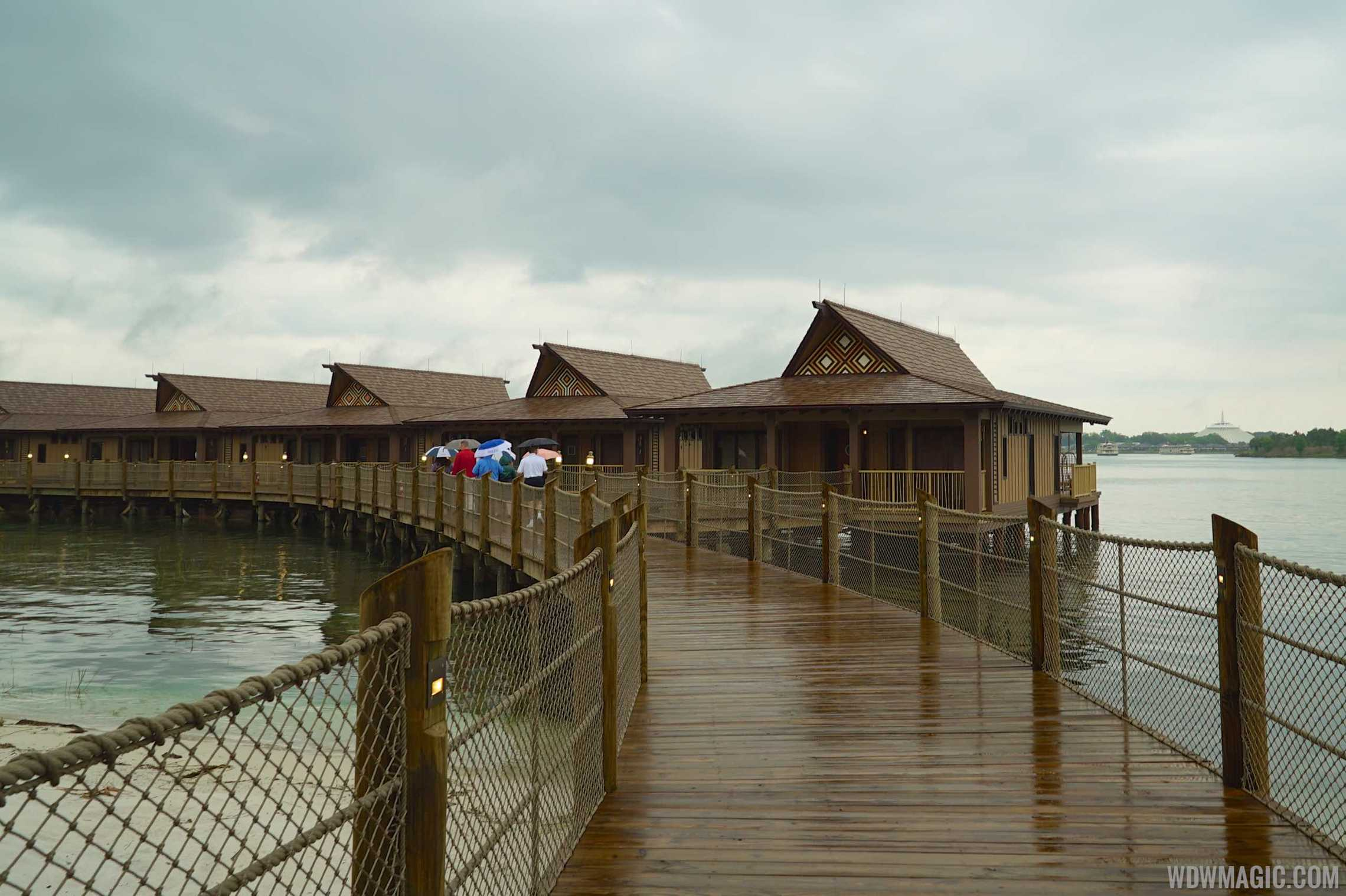 Tour inside a disney 39 s polynesian village resort bora bora for Villas polinesia