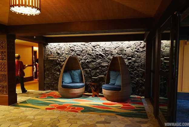 Tour inside a Disney's Polynesian Village Resort deluxe studio