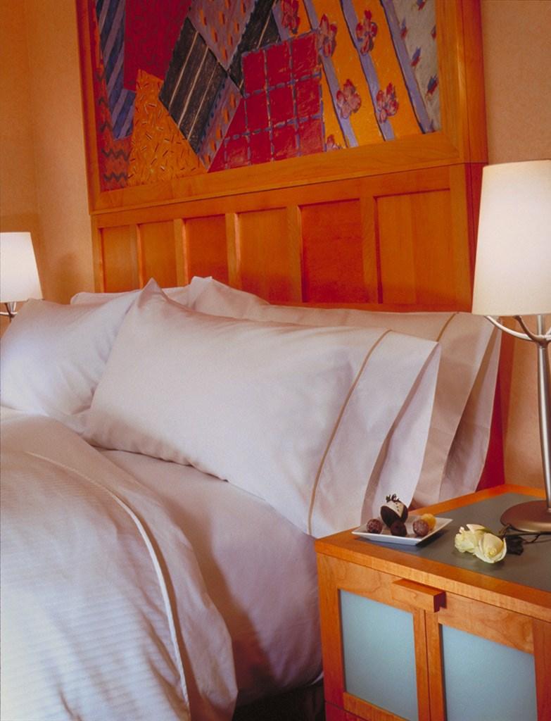 Walt Disney World Swan Resort guest rooms