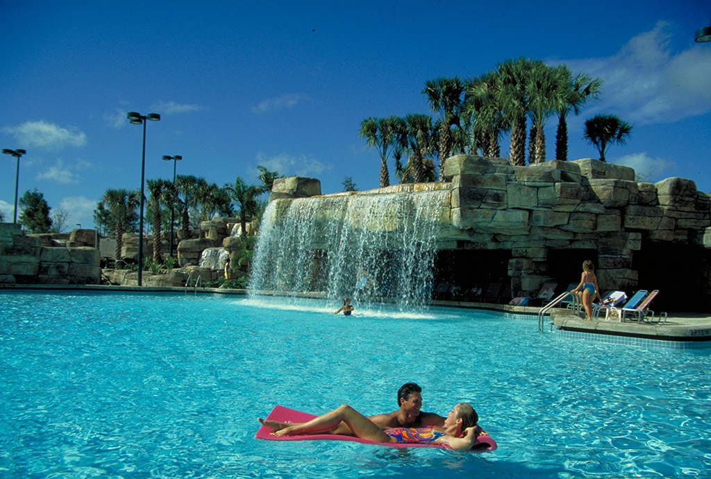 Walt Disney World Swan Resort pool
