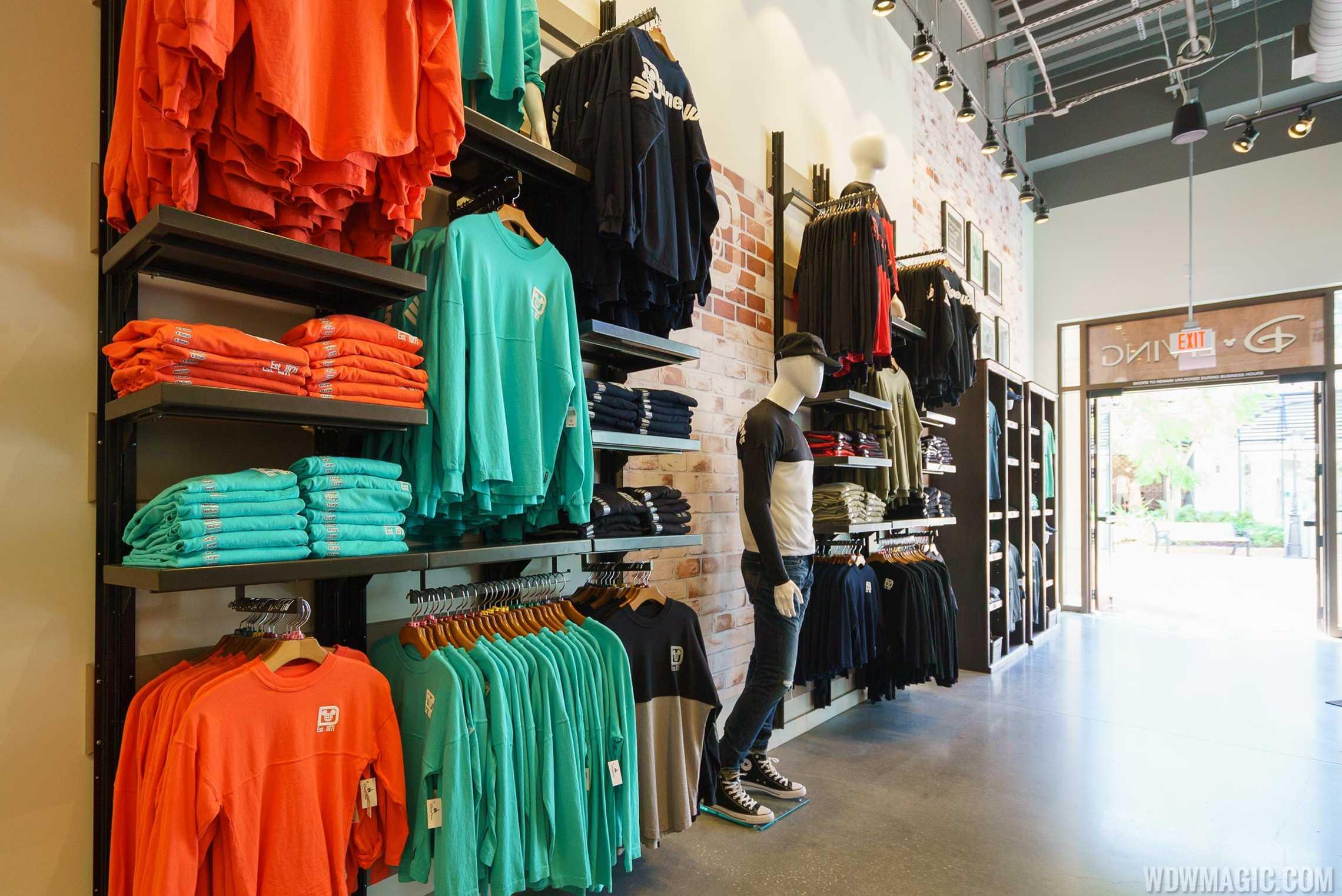 D-Living apparel layout
