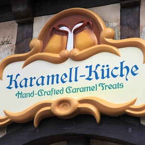 2 of 27: Karamelle-Kuche - Opening day interior, food and merchandise