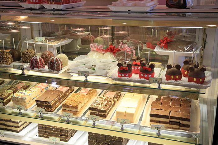 Main Street Confectionary - fudge and candy case