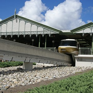 2 of 4: Walt Disney World Monorail System - Monorail Gold on the Express Line