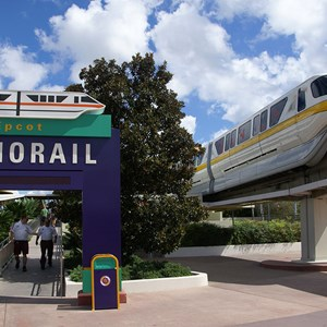 3 of 4: Walt Disney World Monorail System - Monorail Yellow arrives at the TTC on the Epcot Line