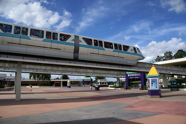 Walt Disney World Monorail System - The front of Monorail Teal entering the TTC