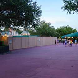 Disney Skyliner construction