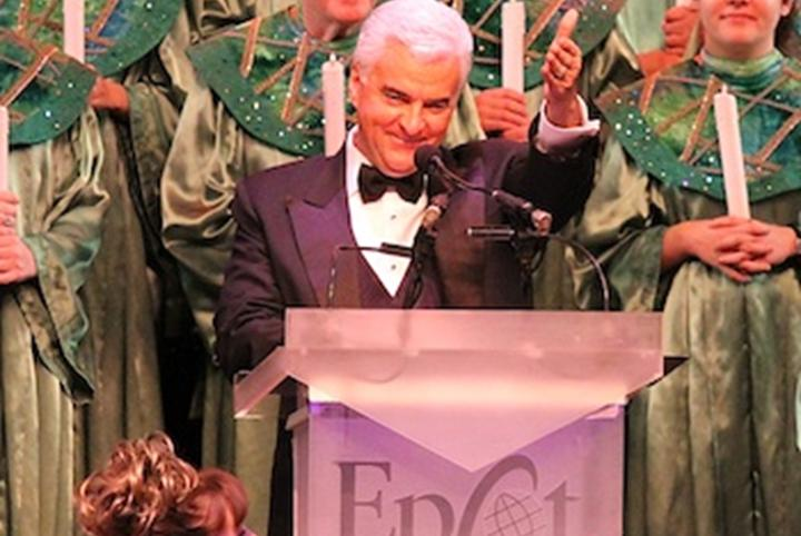 2015 Candlelight Processional dinner packages now available and first celebrity narrators confirmed