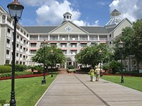Disney&#39;s Yacht Club Resort