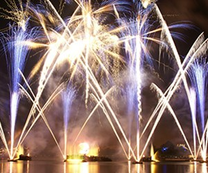 IllumiNations Sparkling Dessert Party