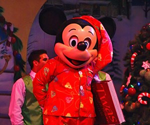 Mickey's 'Twas The Night Before Christmas