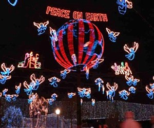 Osborne Family Spectacle of Dancing Lights